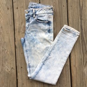 AMERICAN EAGLE ACID WASH JEGGINGS